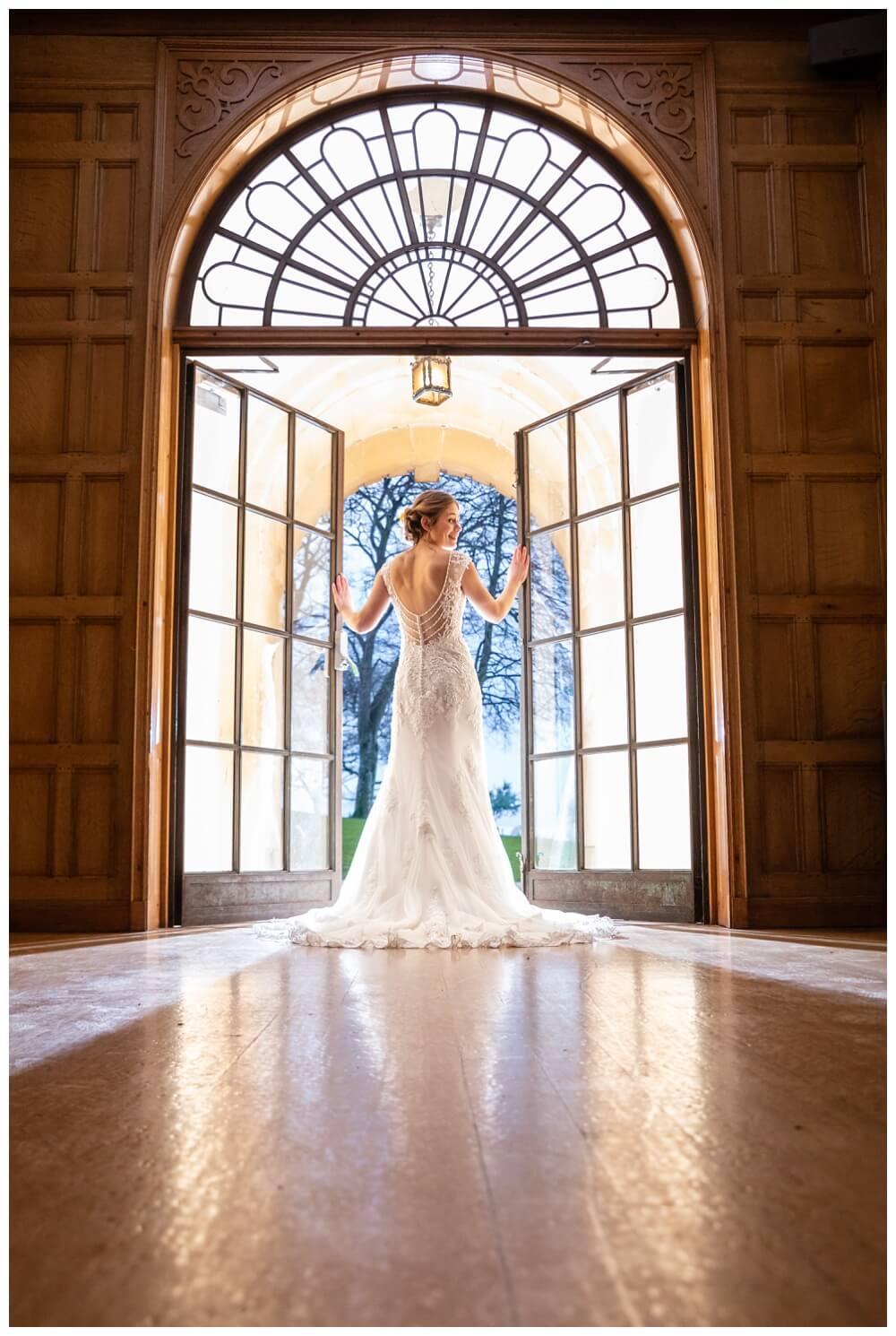 Coombe Lodge bride portraits